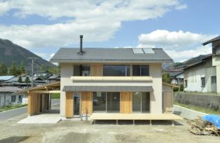木曽谷の家